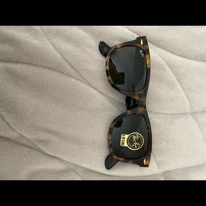 Ray Ban Wayfarer 55cm tortoise/black sunglasses